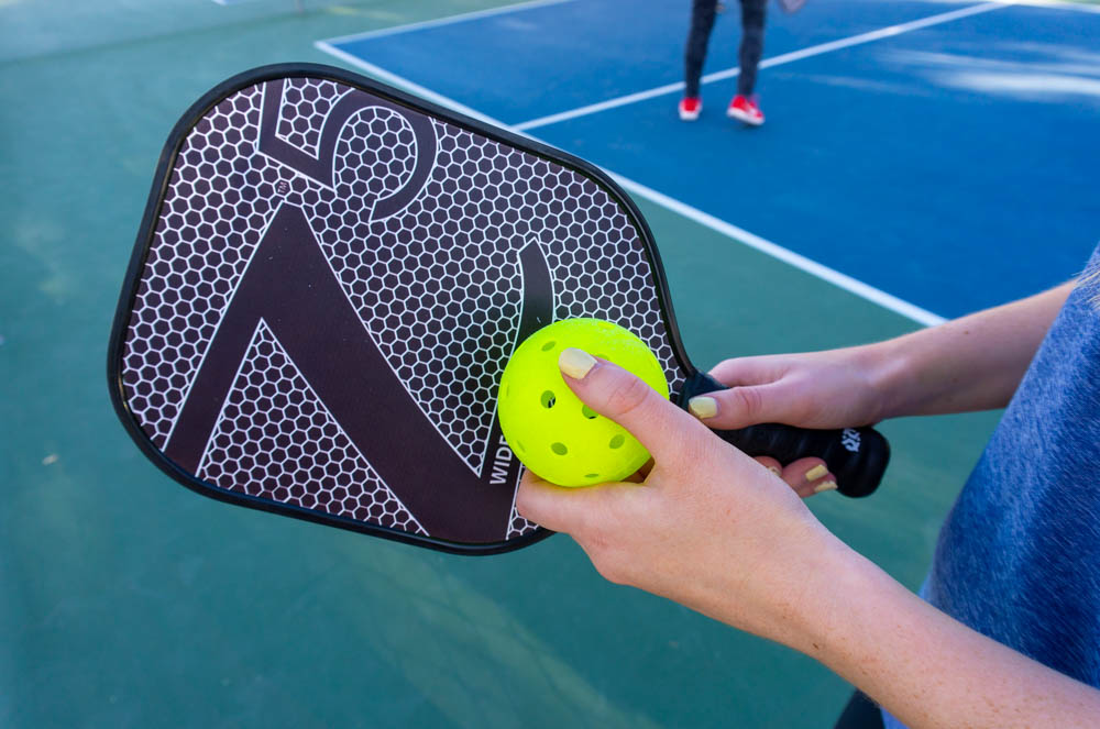 The Best Onix Pickleball Paddles 2021 (+ How To Choose!)